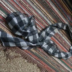 Thin scarf